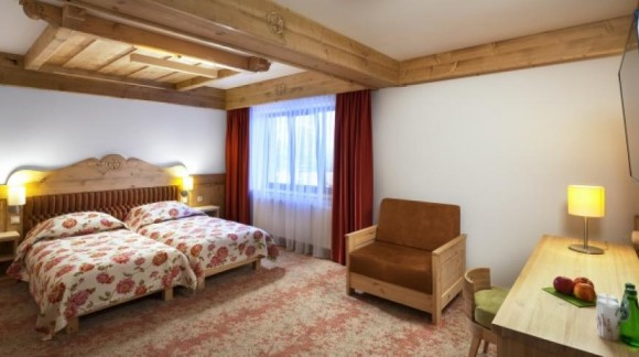 """Hotel """"Bania"""" Białka Tatrzańska (projekt wykonany przez Studio Światła Bercal)"""